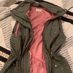 Jolt Army Green Vest